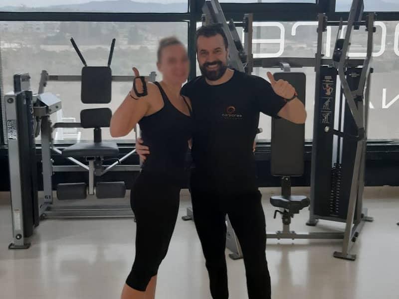 entrenadores cualificados gimnasio corporea